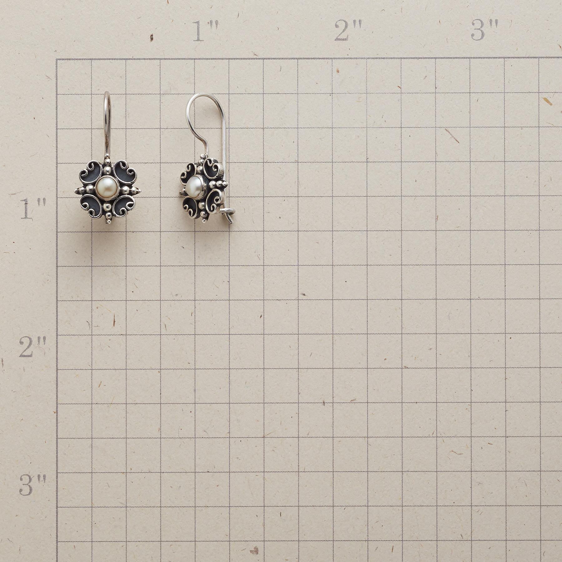 CURL AND PEARL EARRINGS: View 2