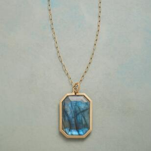 LUCKY IN LABRADORITE NECKLACE