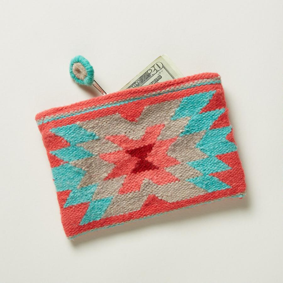 TOTEM POUCH