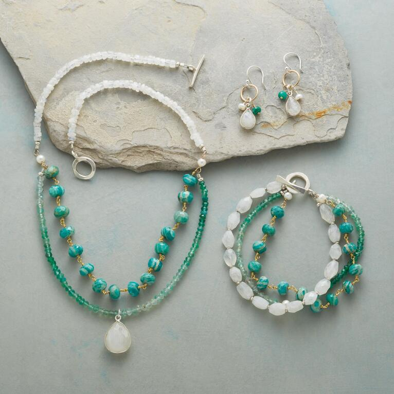 FROSTED EVERGREEN JEWELRY COLLECTION