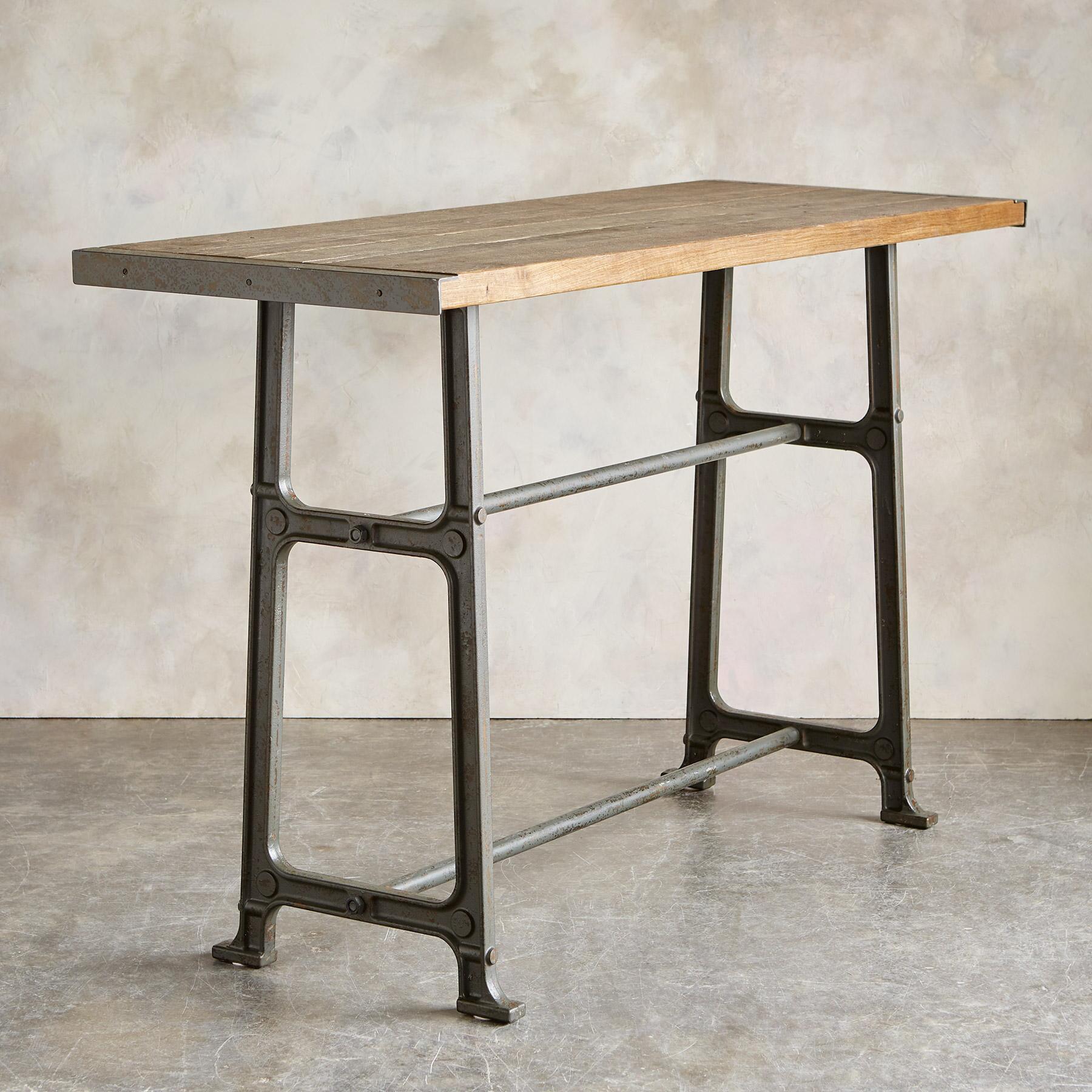 GIDEON PUB TABLE: View 2