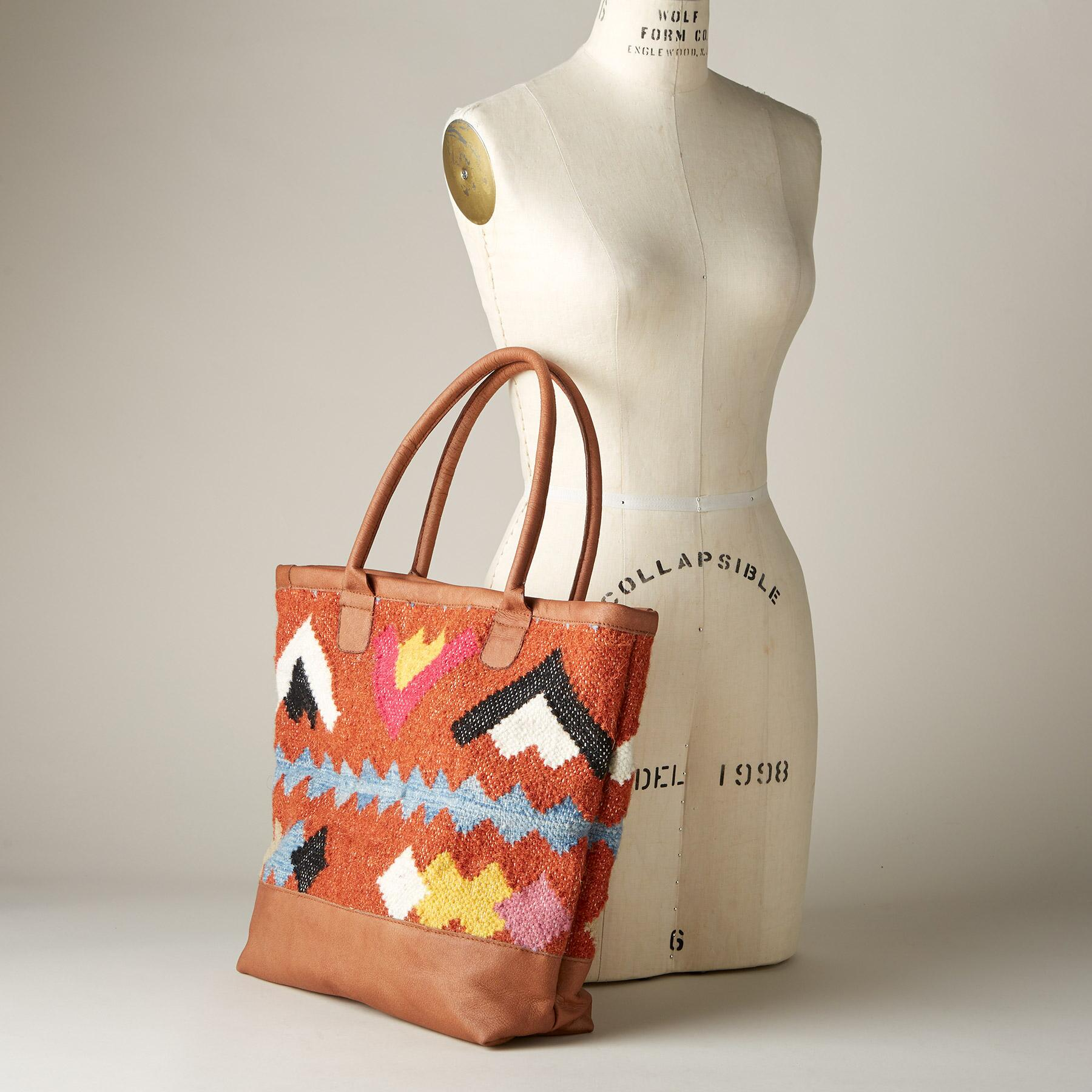 BRENNA WOVEN TOTE: View 3