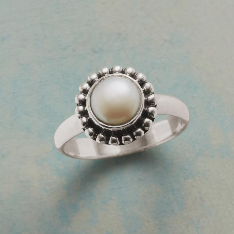 LILIANA PEARL RING