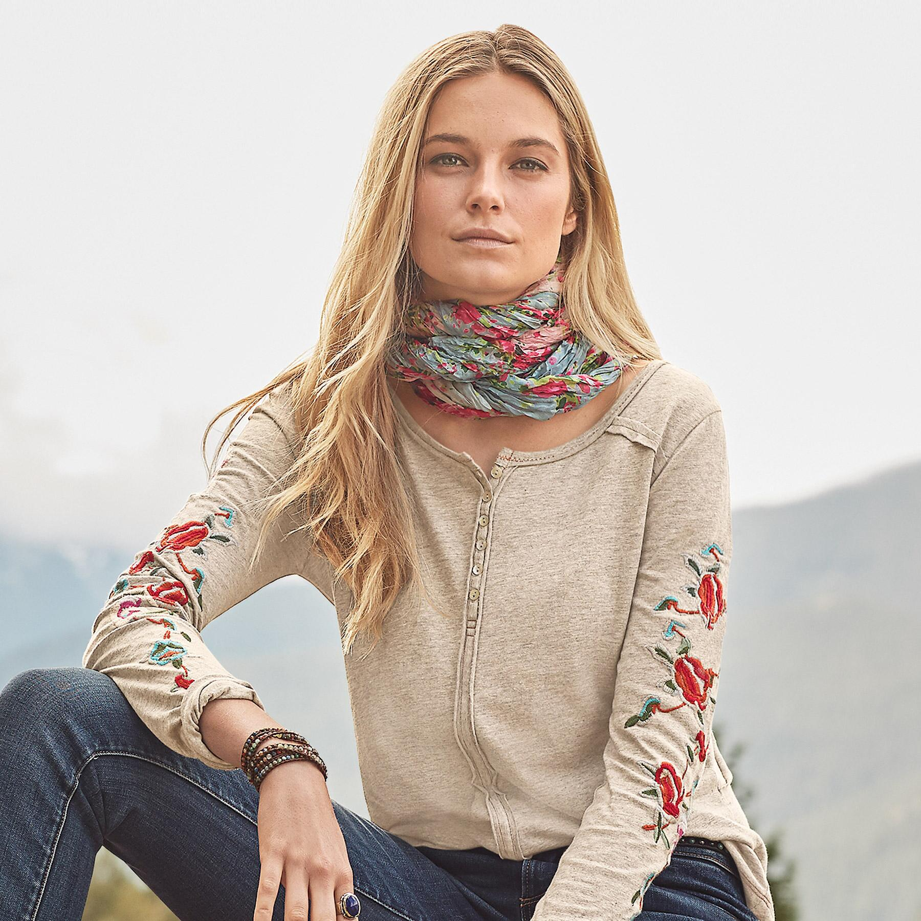 OASIS INFINITY SCARF: View 3