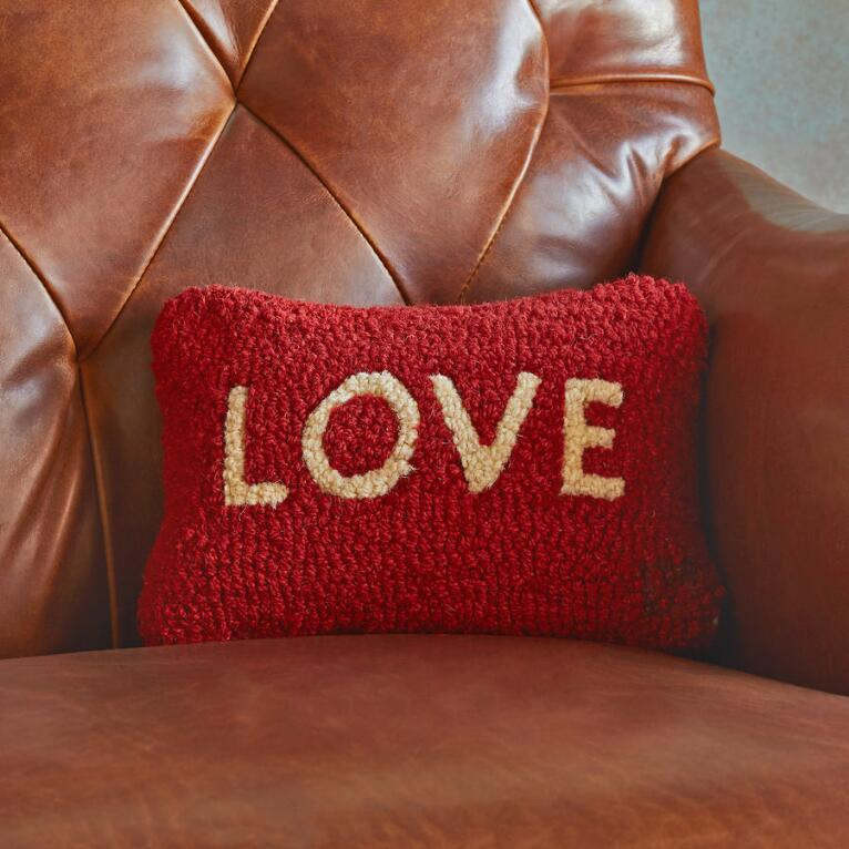 LOVE MINI PILLOW