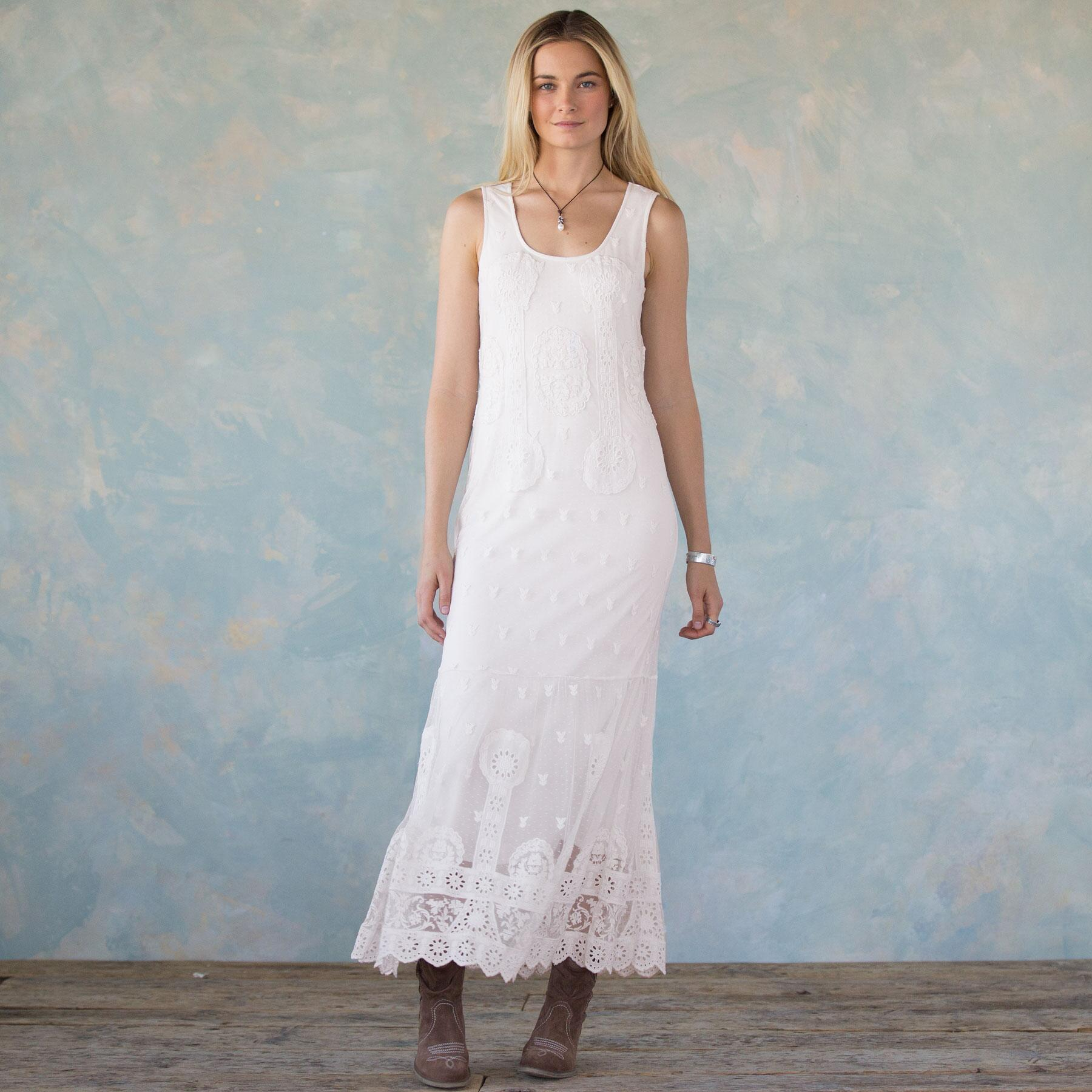 GRACIOUS DAYS EMBROIDERED DRESS: View 3