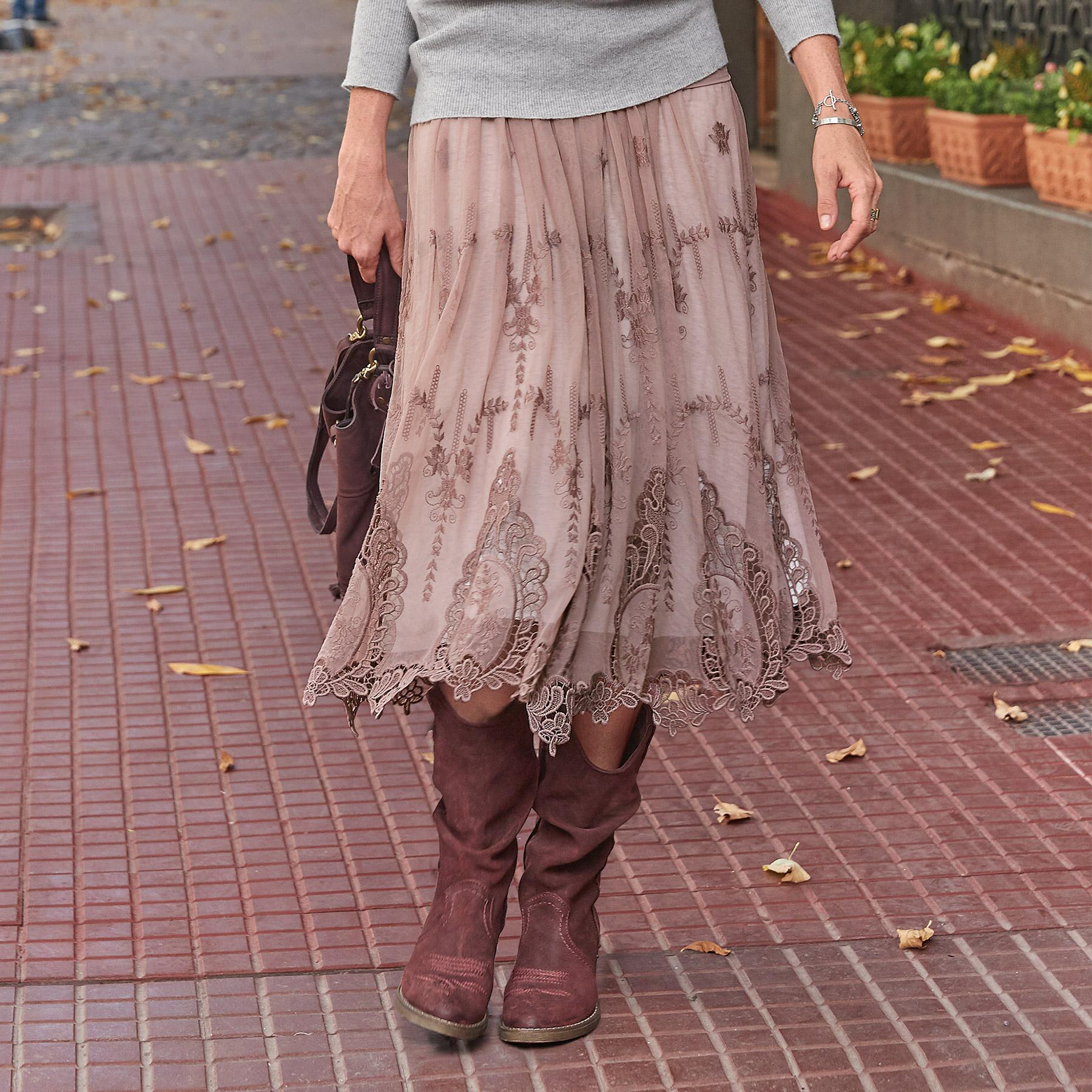 ALCOTT LACE SKIRT: View 1