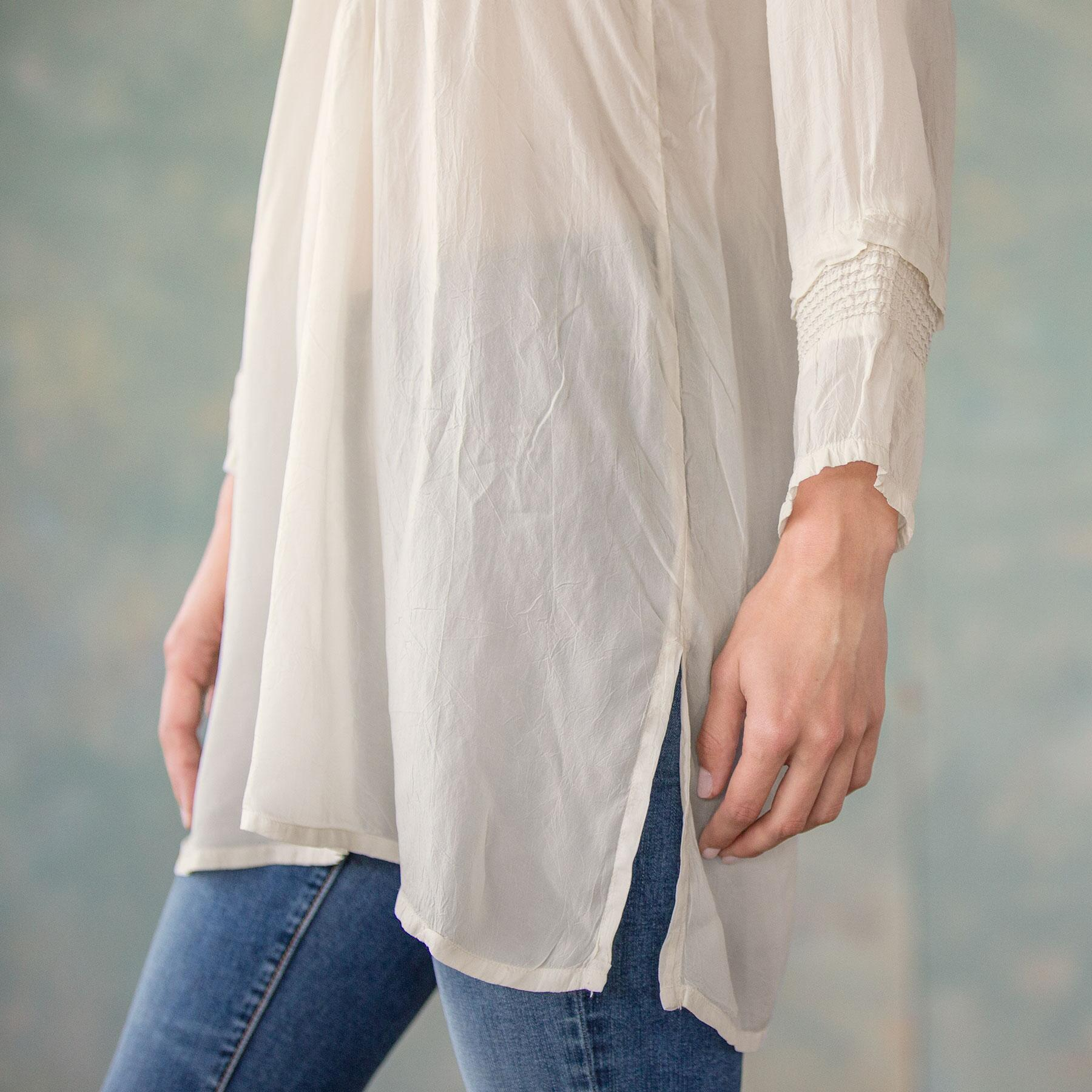 ARIE TUNIC: View 4