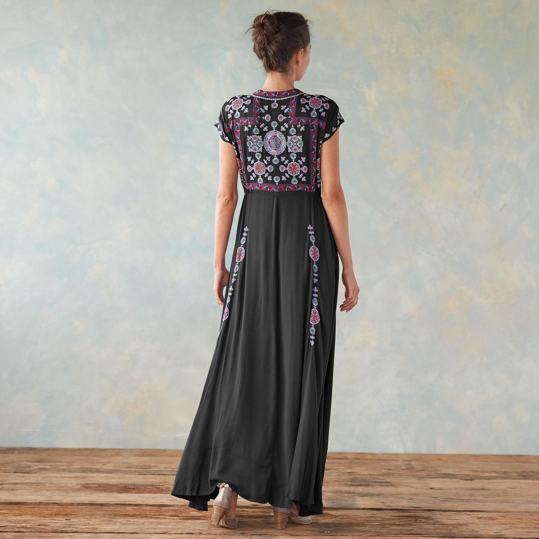FLORA VISTA DRESS: View 2