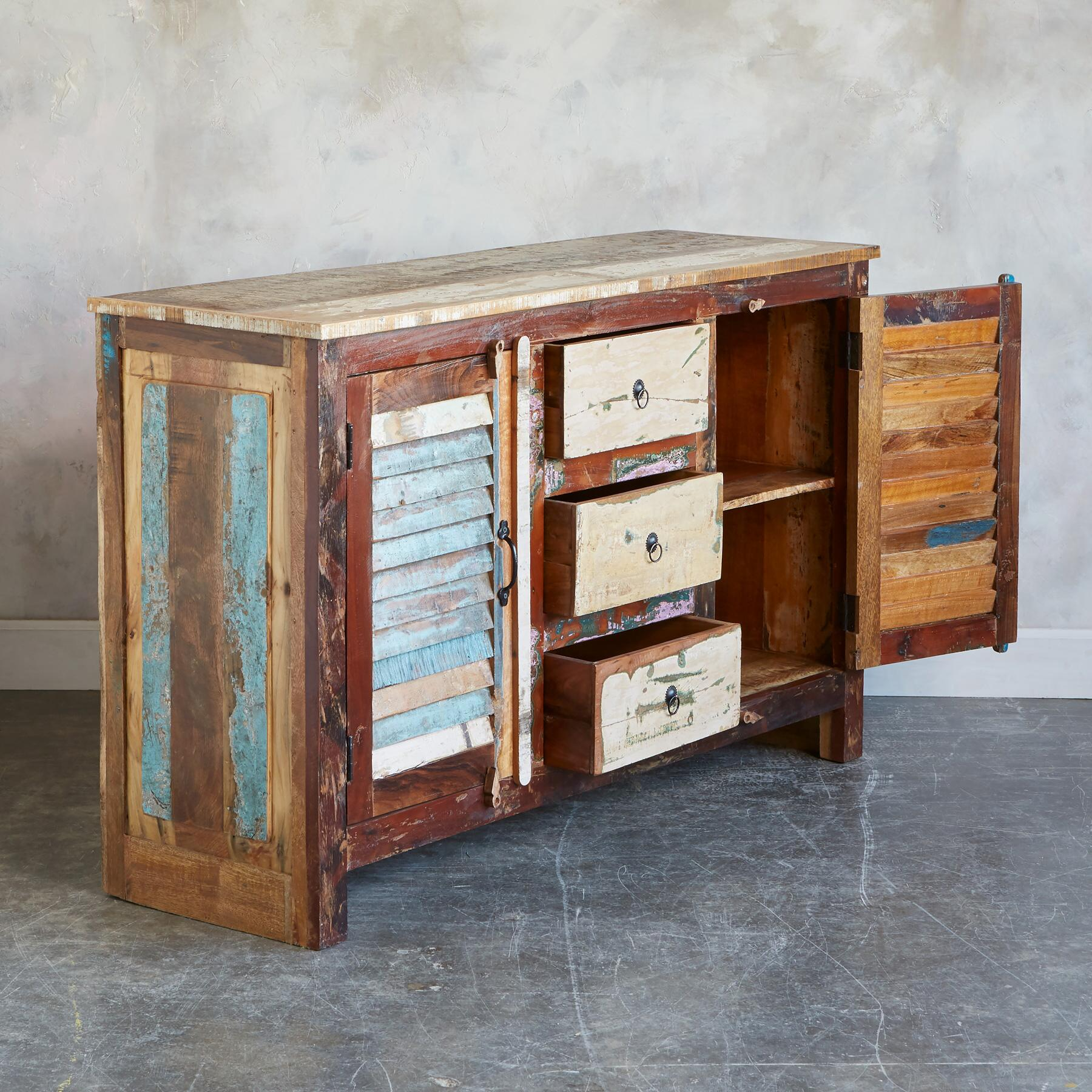 ANNICK CABINET: View 2