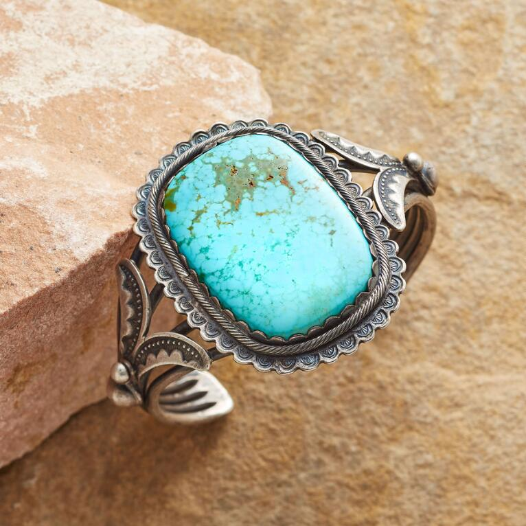 1940S NUMBER 8 TURQUOISE CUFF
