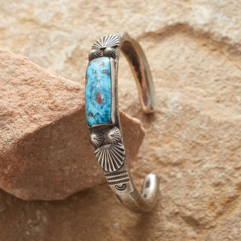 TURQUOISE FANNED CUFF