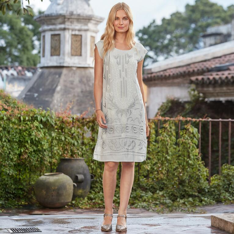 BLANCHETTE SHIFT DRESS