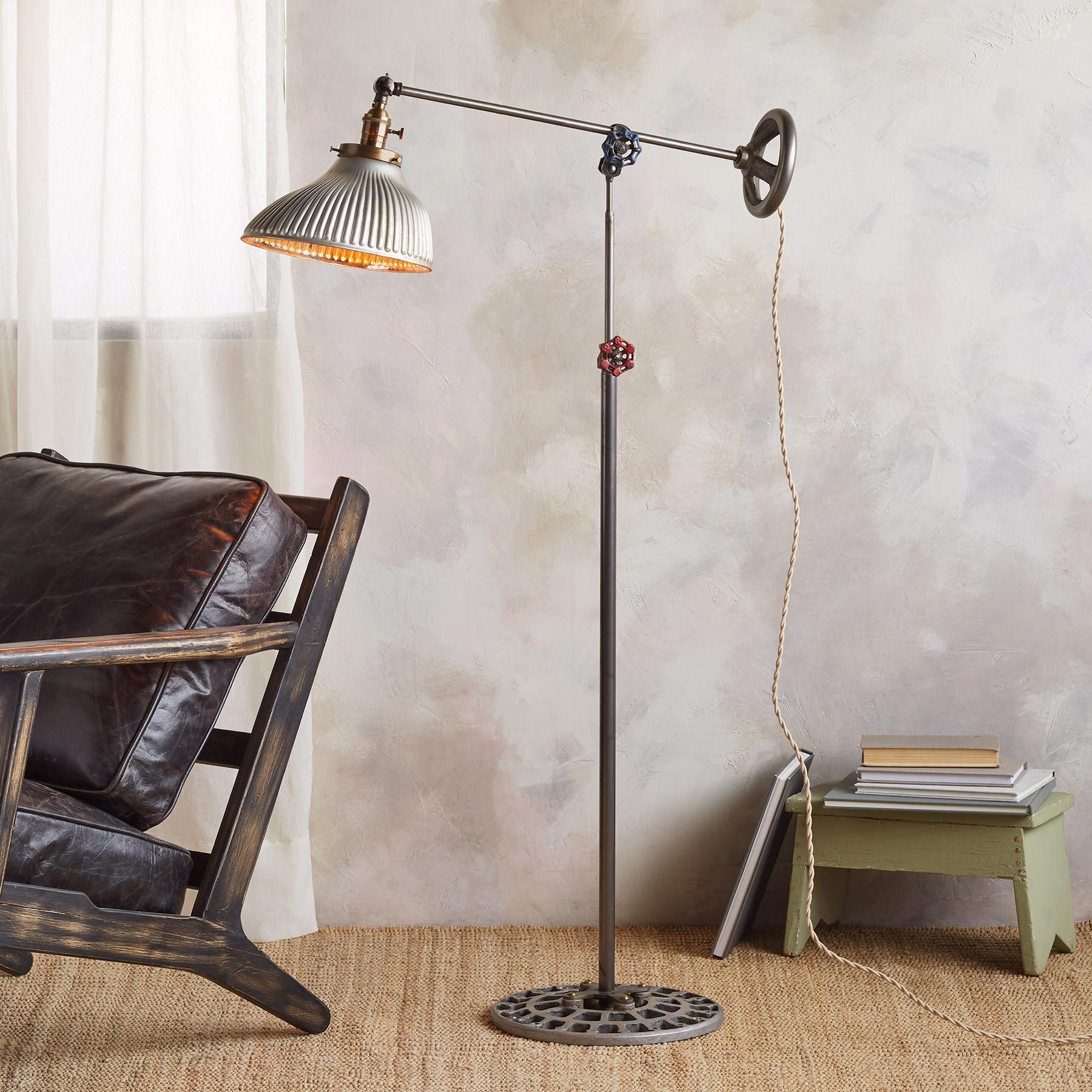 PINNACLE FLOOR LAMP BY ROBERT OGDEN: View 1