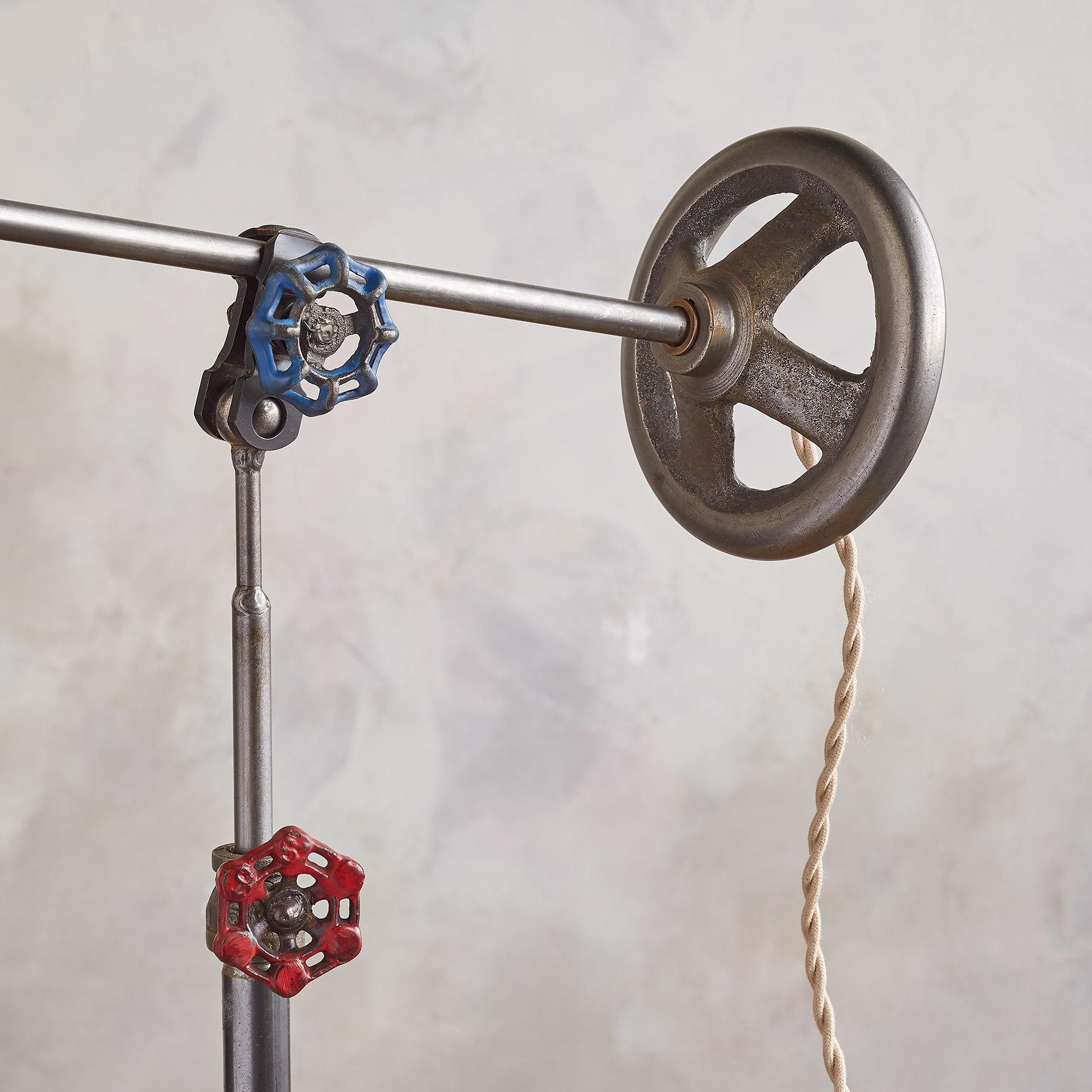PINNACLE FLOOR LAMP BY ROBERT OGDEN: View 3