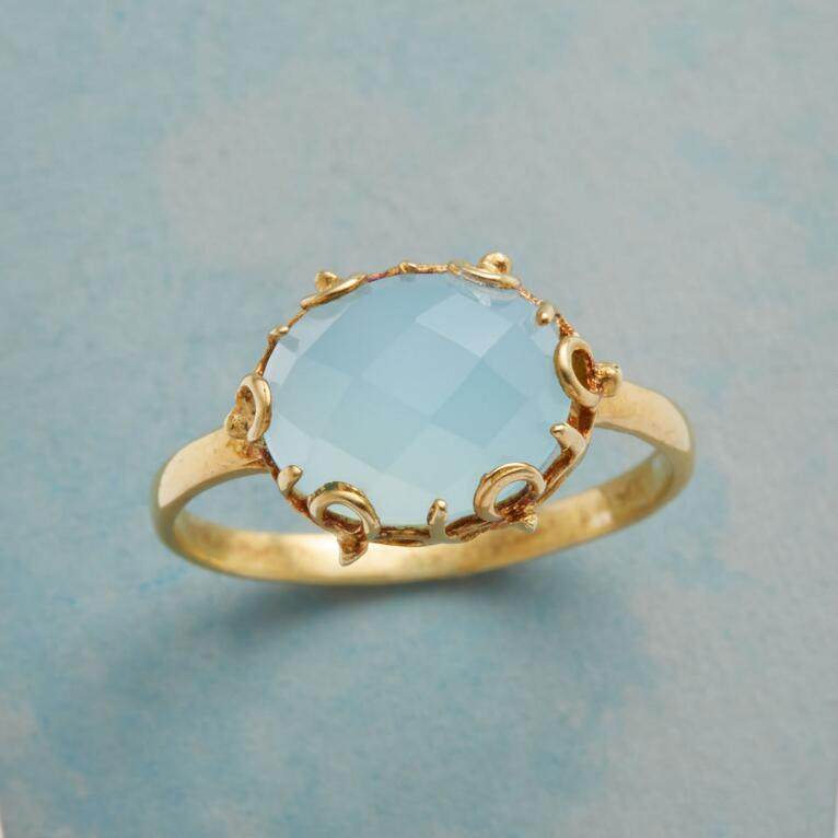 CURLY CHALCEDONY RING