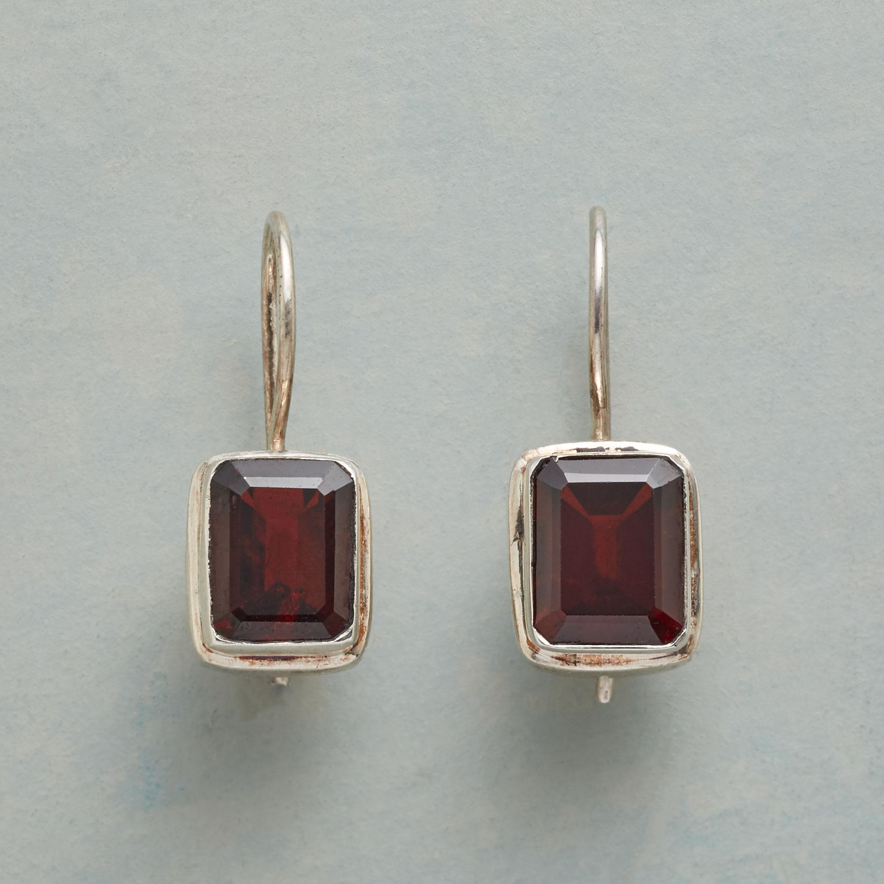 RED SQUARE EARRINGS: View 1