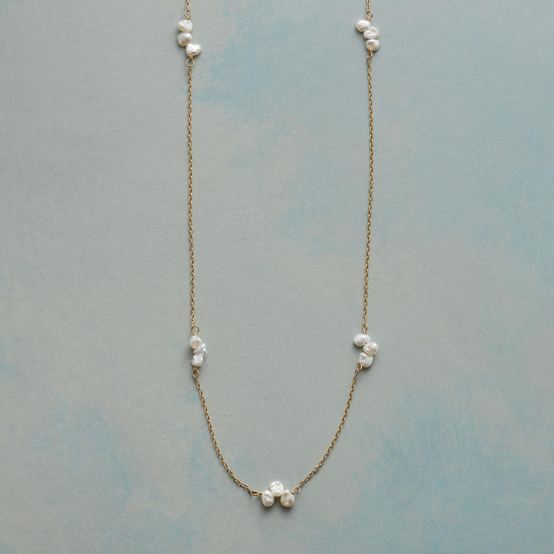 PEARL FOLIOLI NECKLACE: View 1