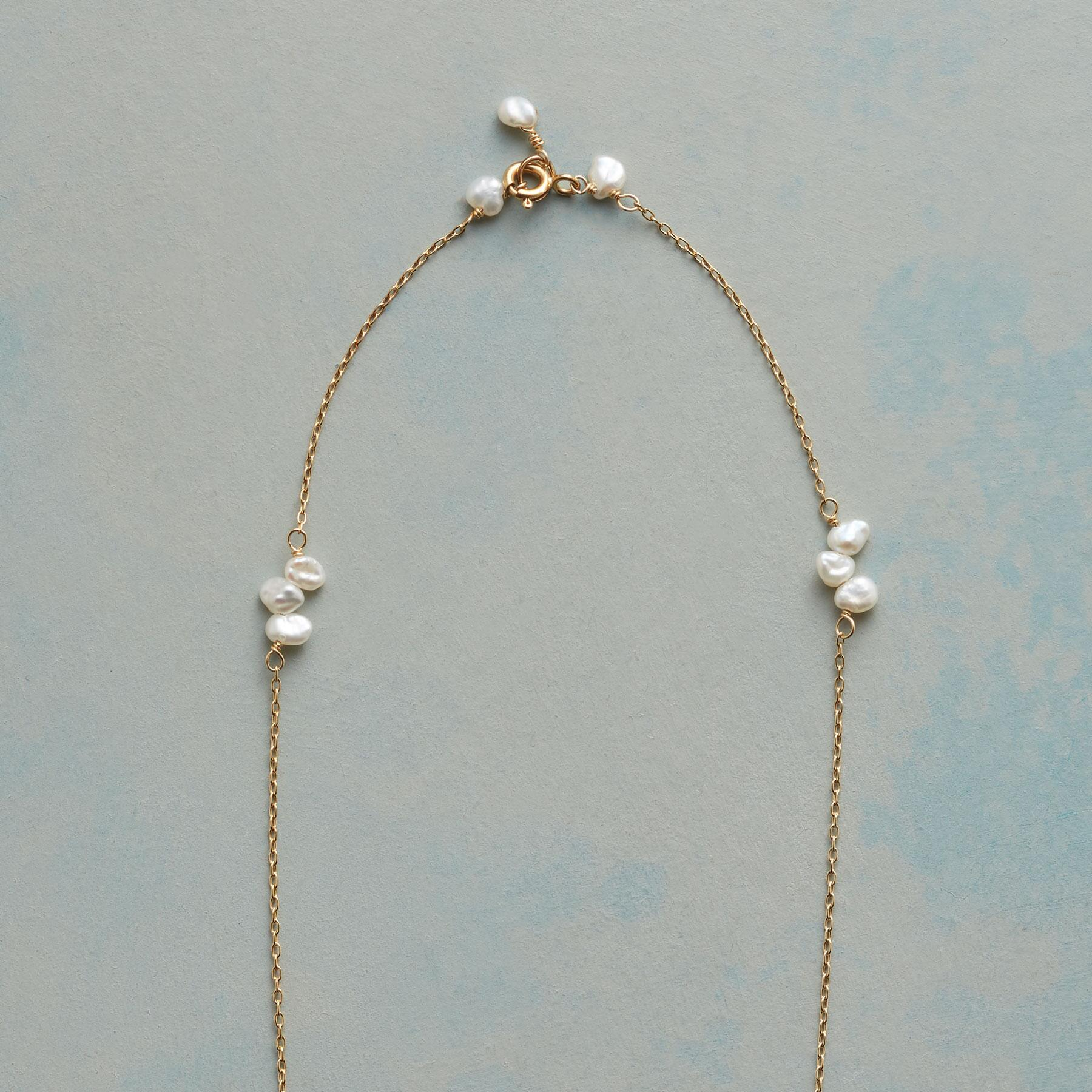 PEARL FOLIOLI NECKLACE: View 3