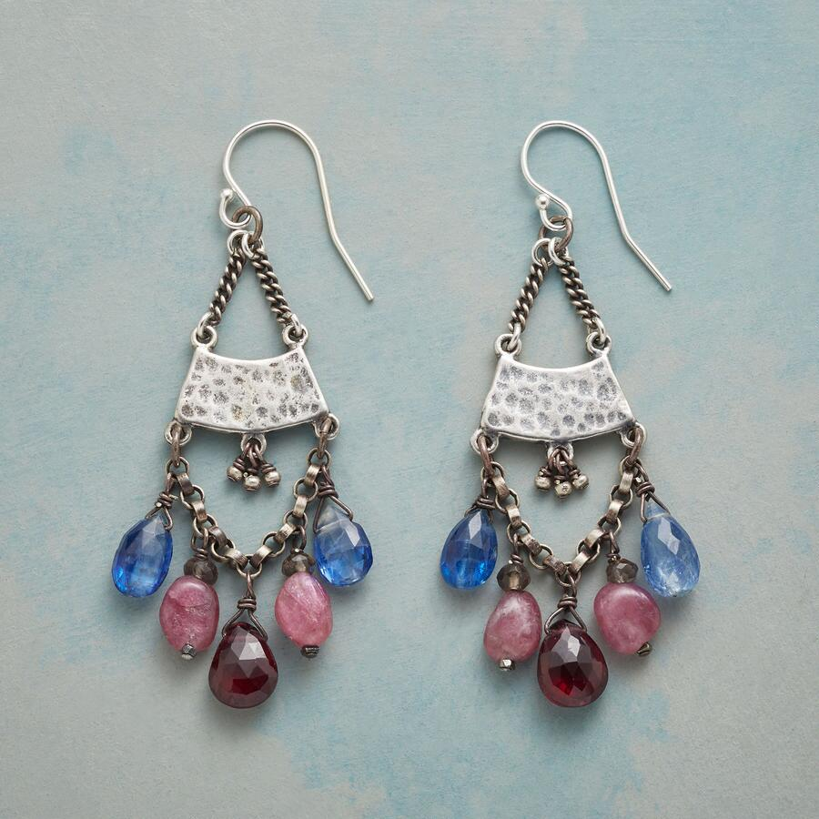 EASY BREEZY EARRINGS