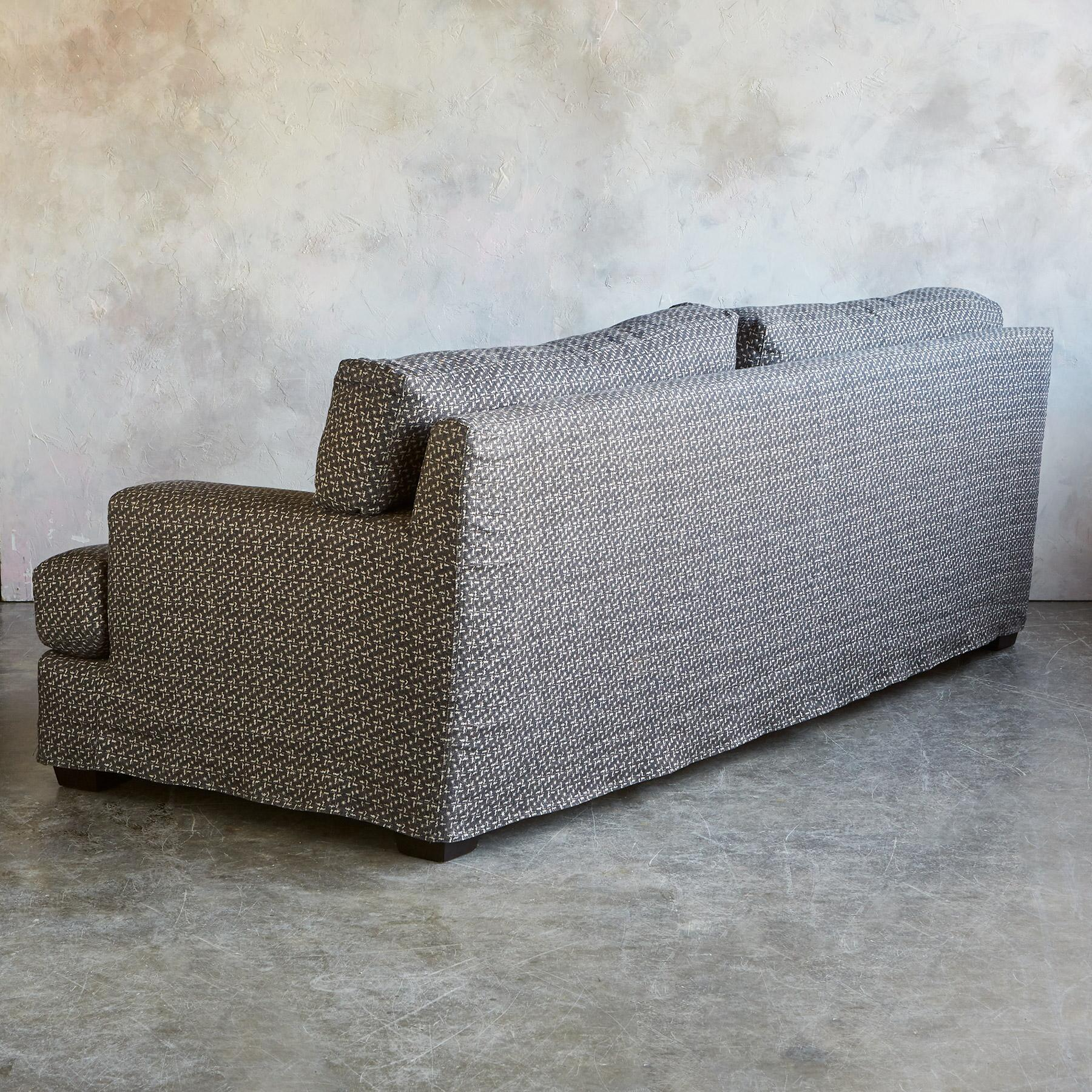 CORMAC SOFA: View 4