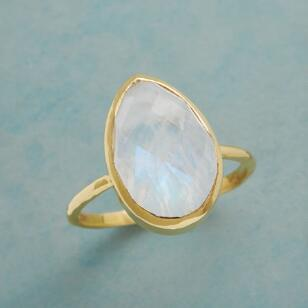 MOUNT MOONSTONE RING
