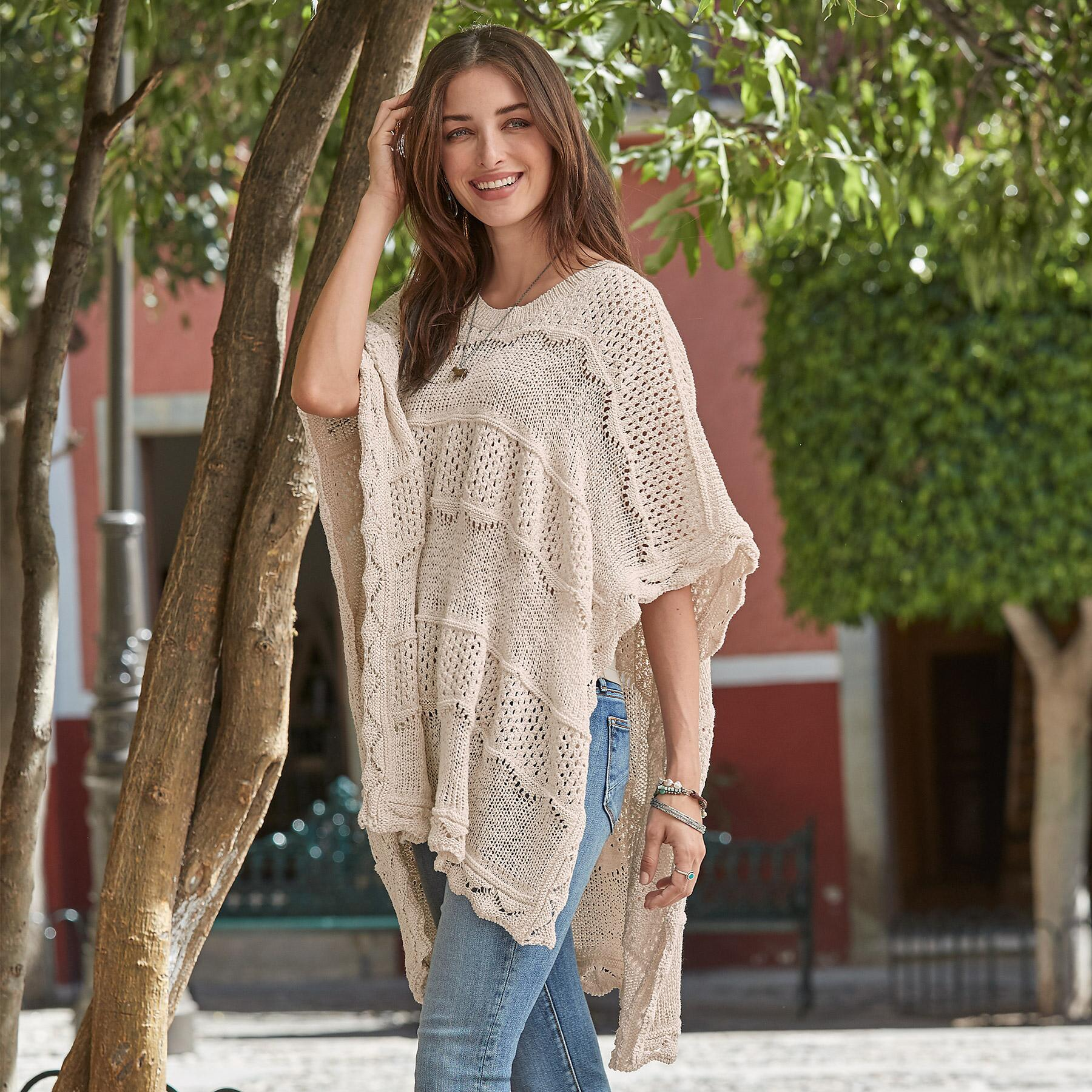 EASY DAYS PONCHO: View 1