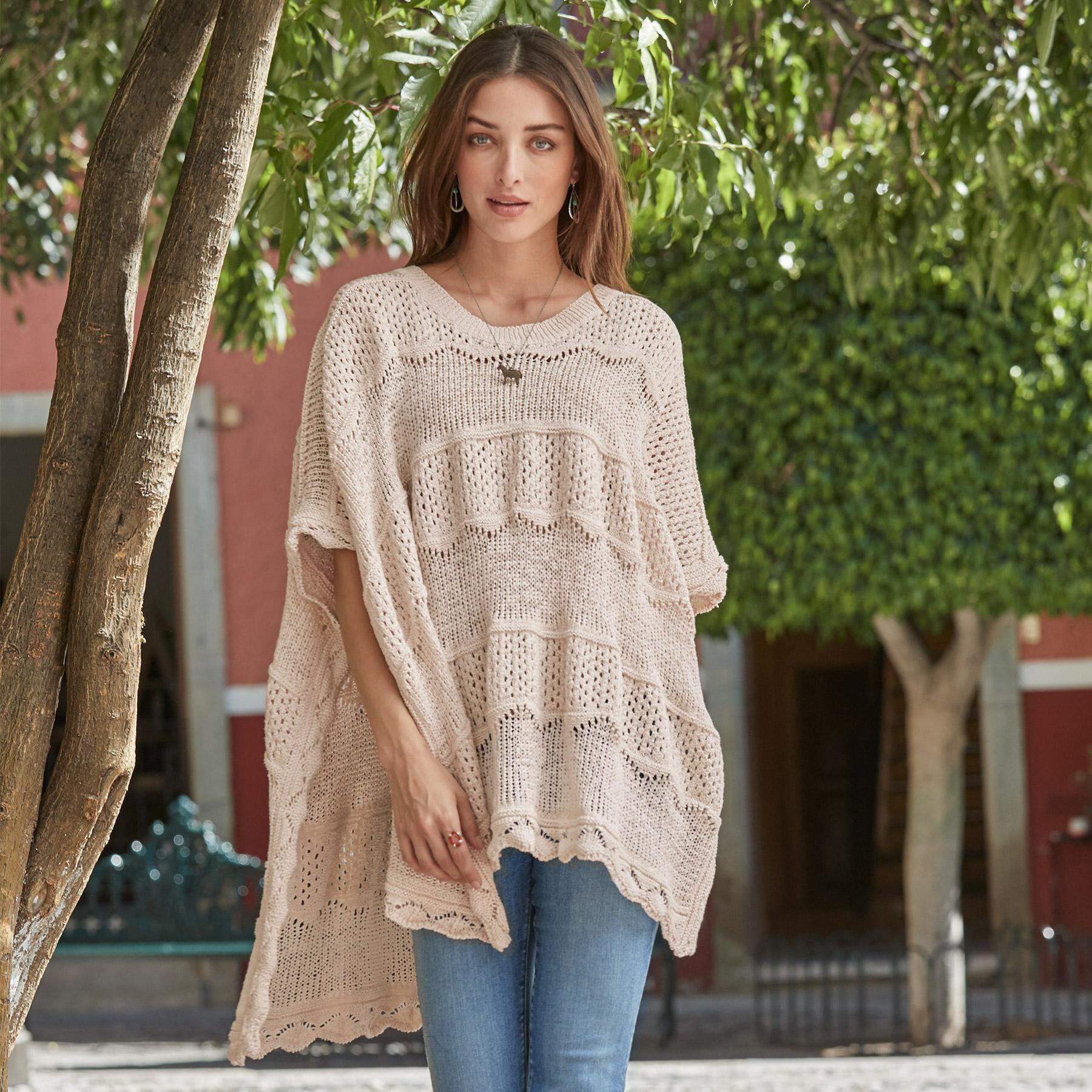 EASY DAYS PONCHO: View 2