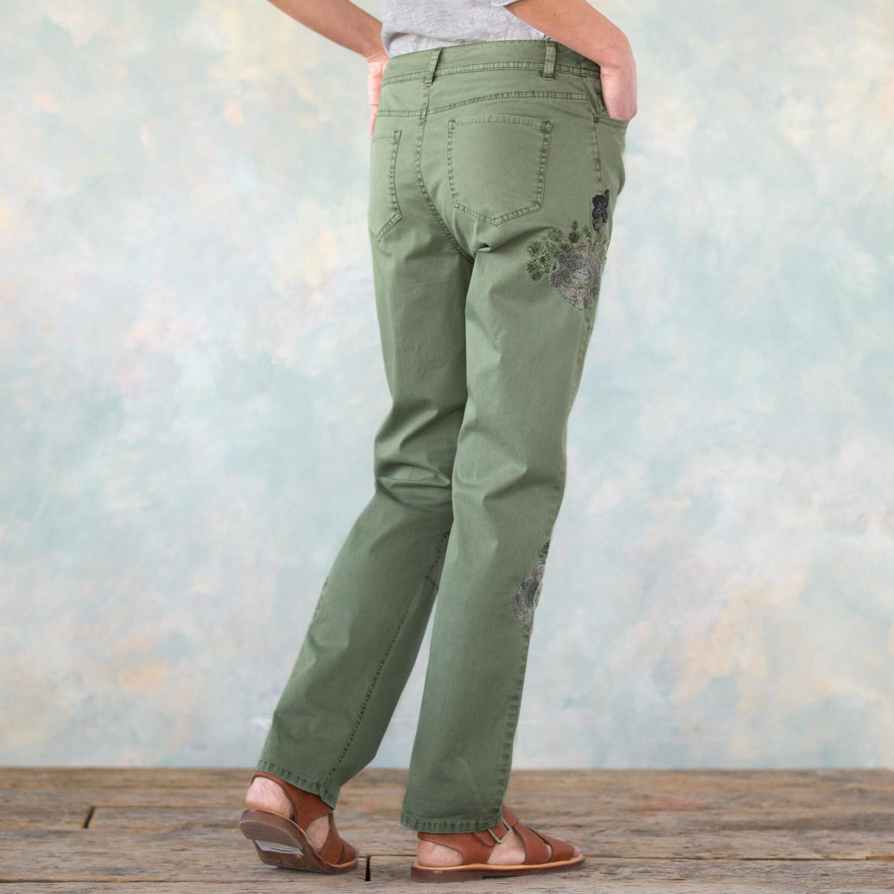 NATURAL APPEAL CARGO PANTS PETITE: View 2