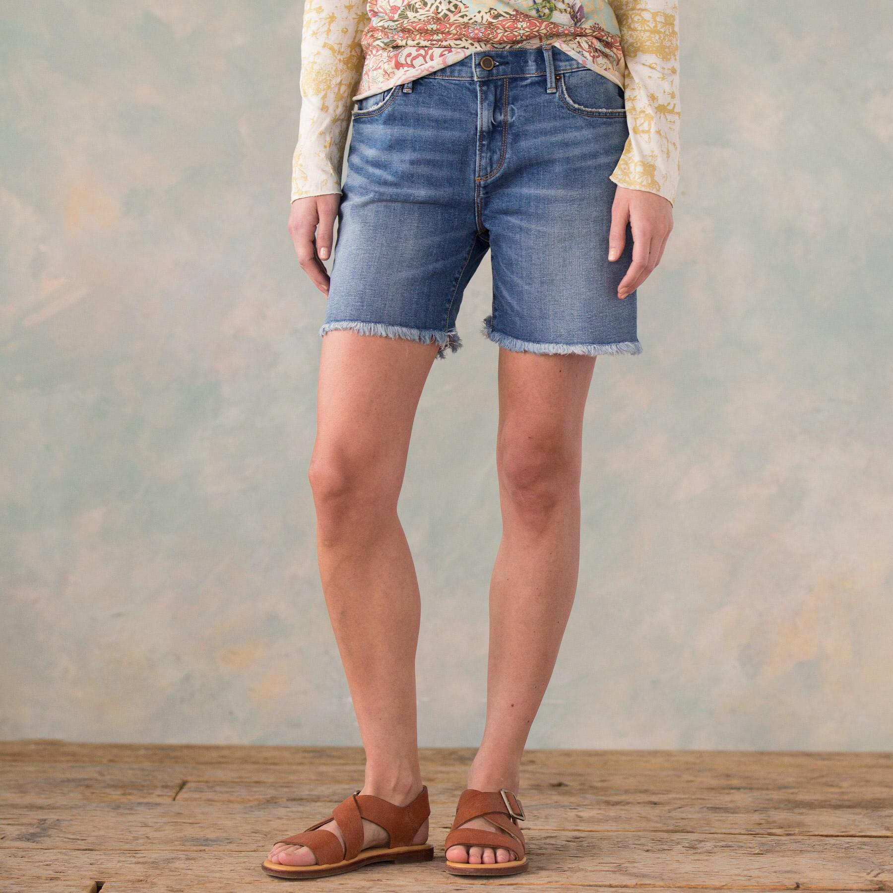 DRIFTWOOD BOYFRIEND SHORTS: View 2