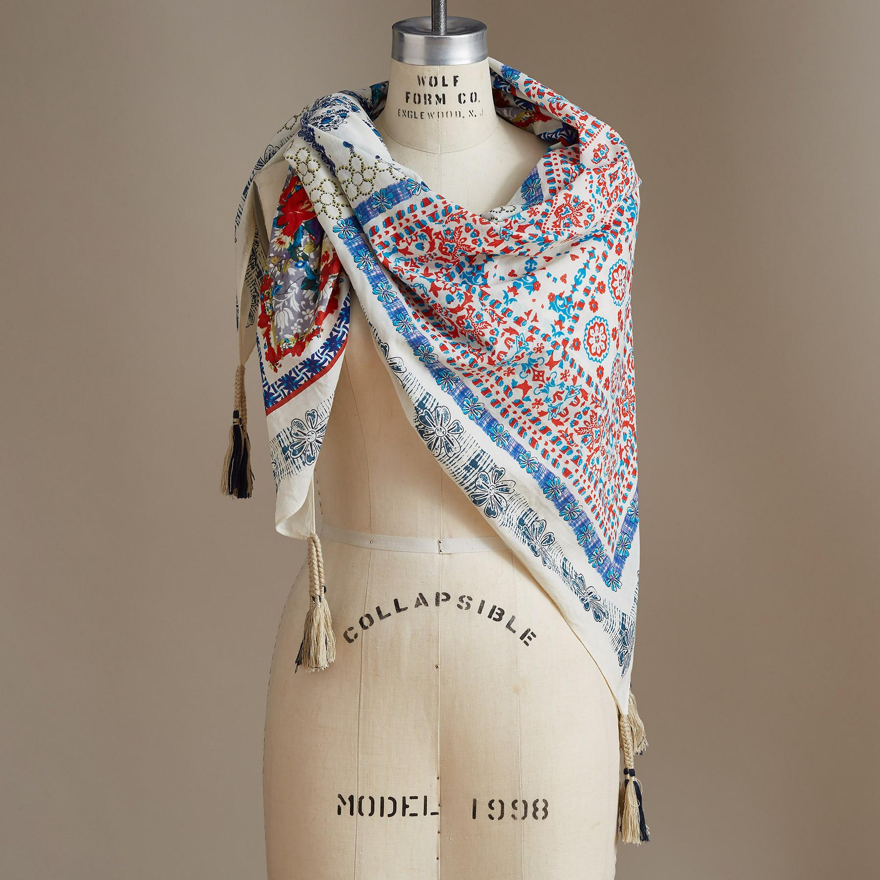 SWEET MAGNOLIA SCARF: View 1