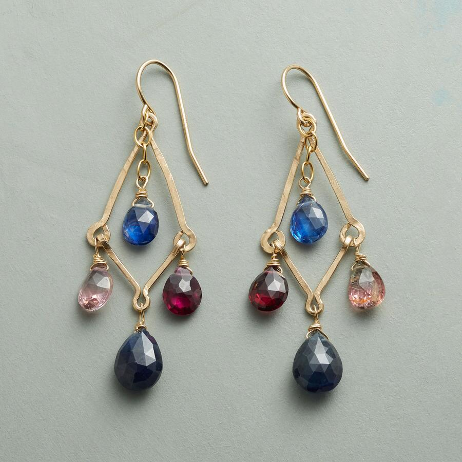 HAND IN HAND EARRINGS