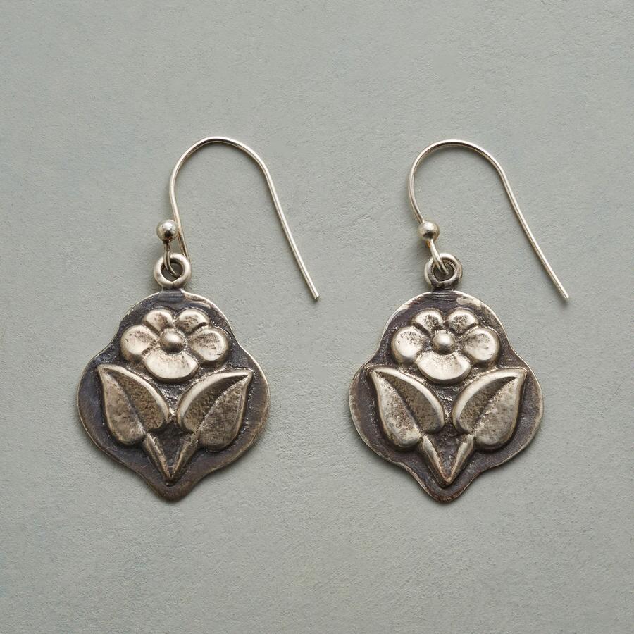 FLOWER TAG EARRINGS