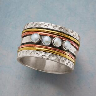 FOUR MOONS SPINNER RING