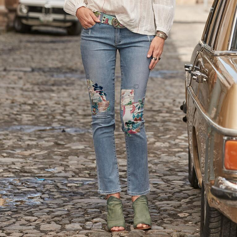 MAGNOLIA PATCH JEANS