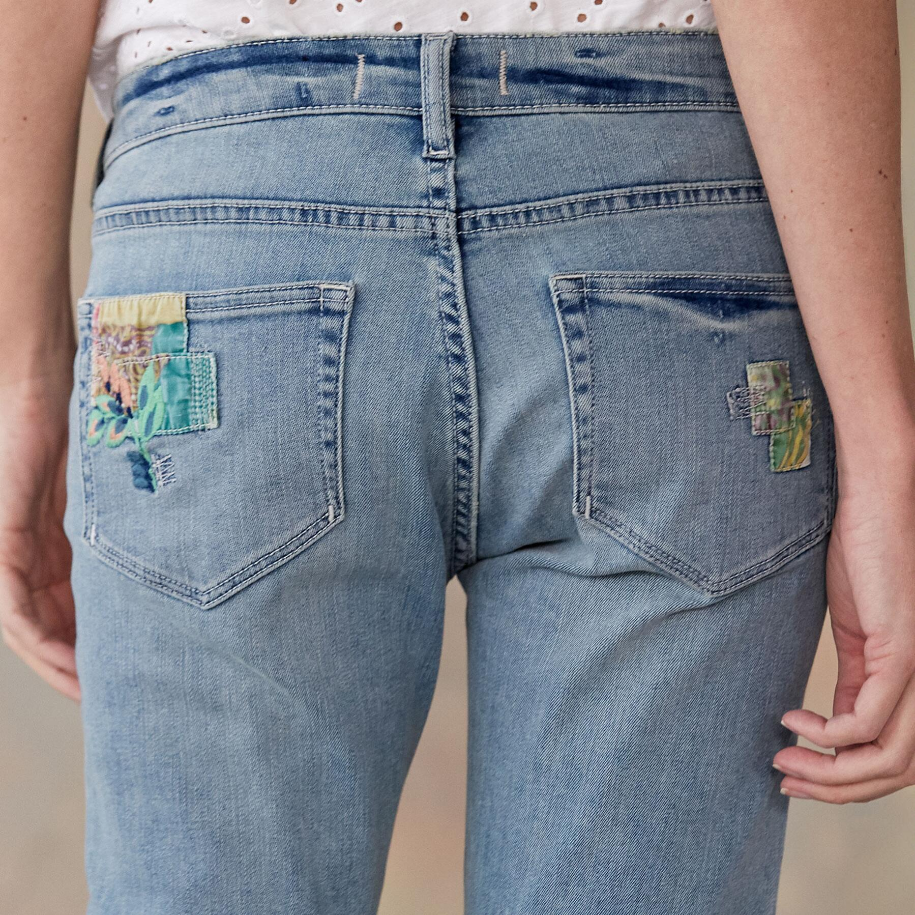 MAGNOLIA PATCH JEANS: View 3
