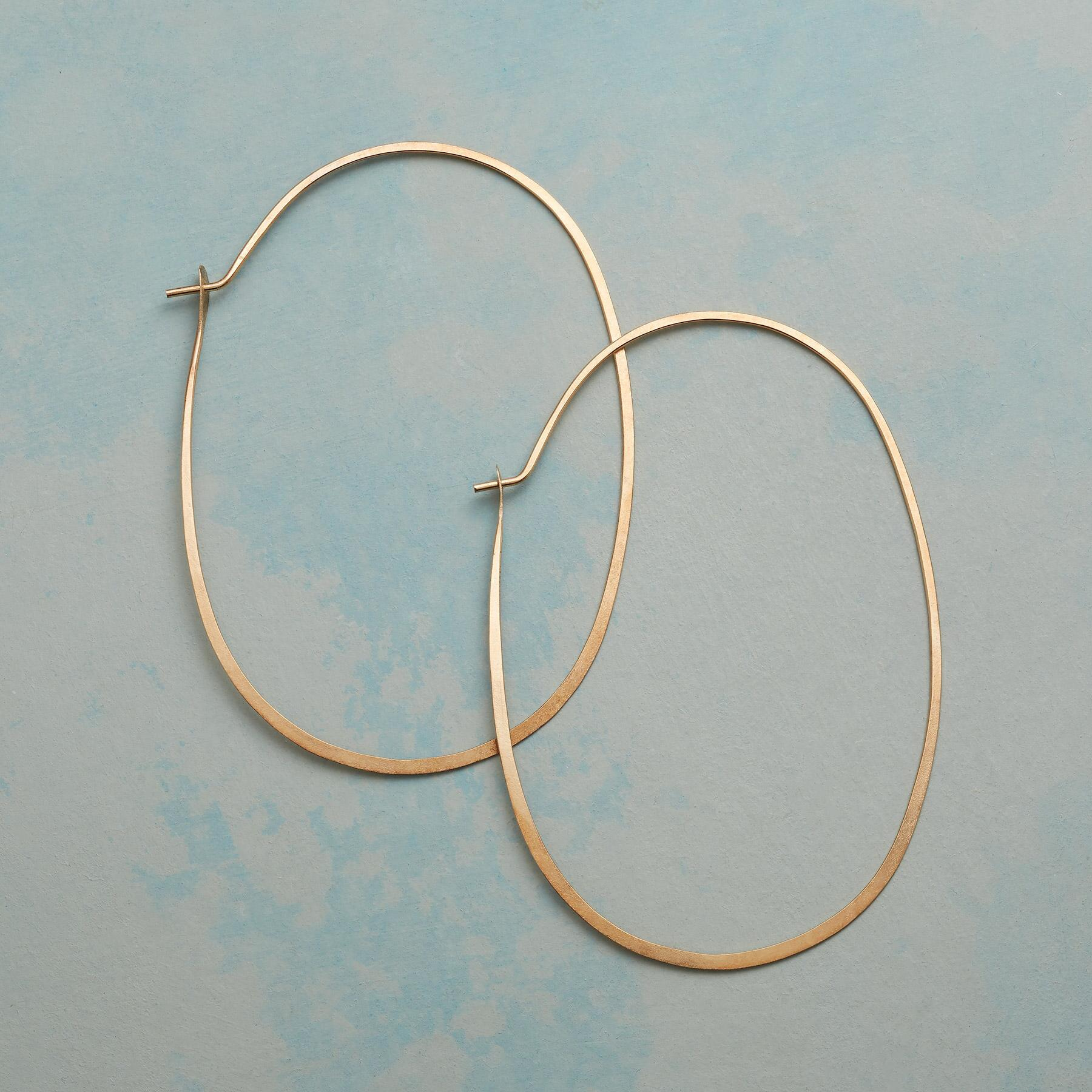 GOLD PROTRACTIONS HOOPS: View 1