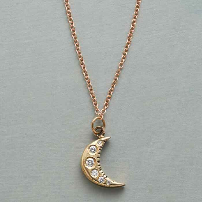 LIGHT OF THE MOON NECKLACE