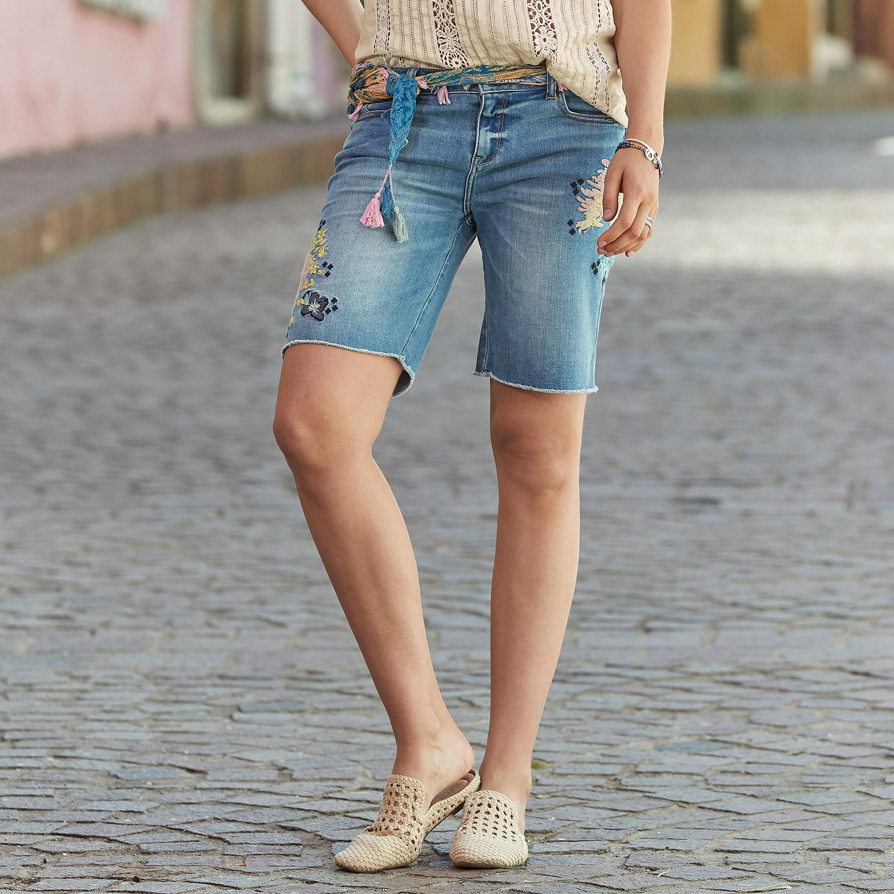 LARK DENIM SHORTS: View 1