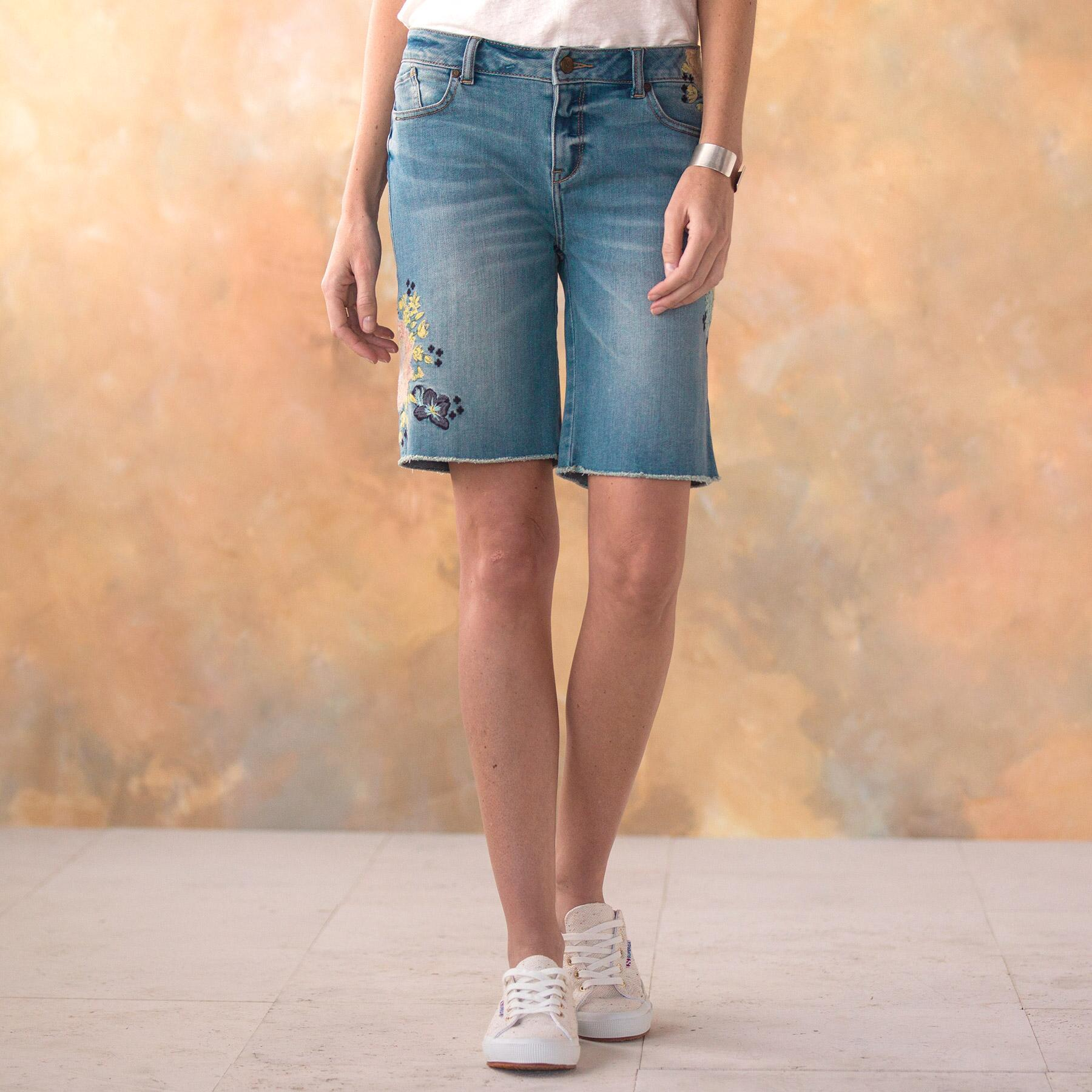 LARK DENIM SHORTS: View 2