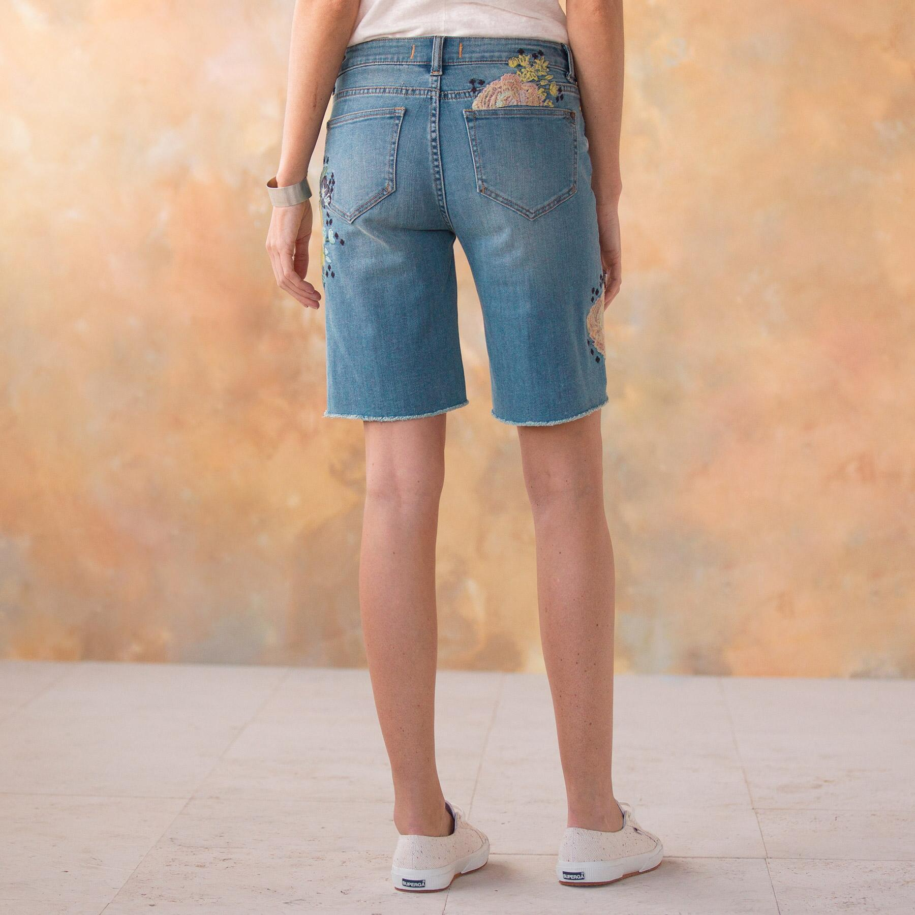 LARK DENIM SHORTS: View 3