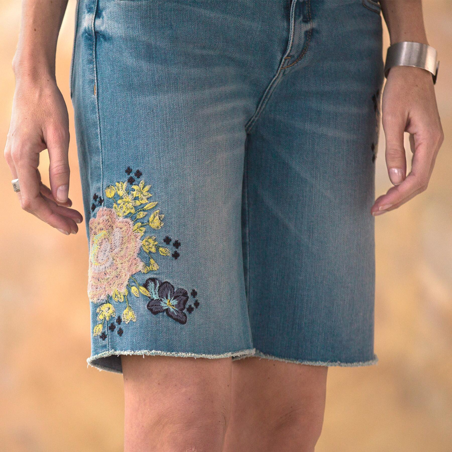 LARK DENIM SHORTS: View 5