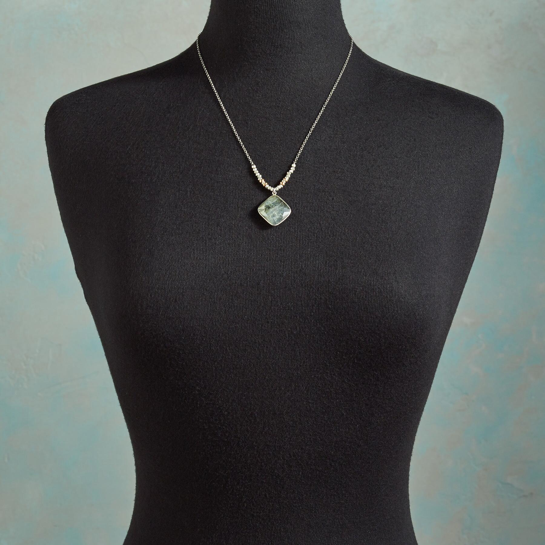 FOCUS POINT NECKLACE: View 4