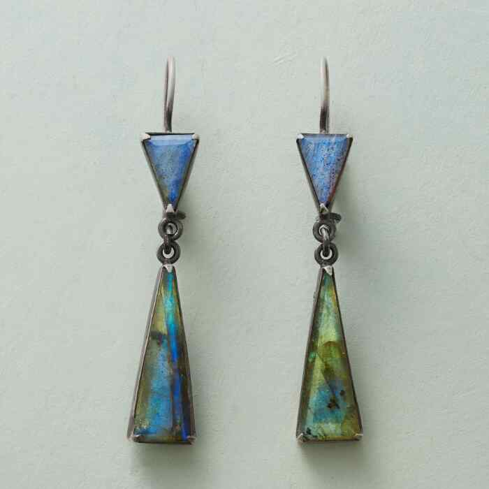 LONG SHADOW EARRINGS