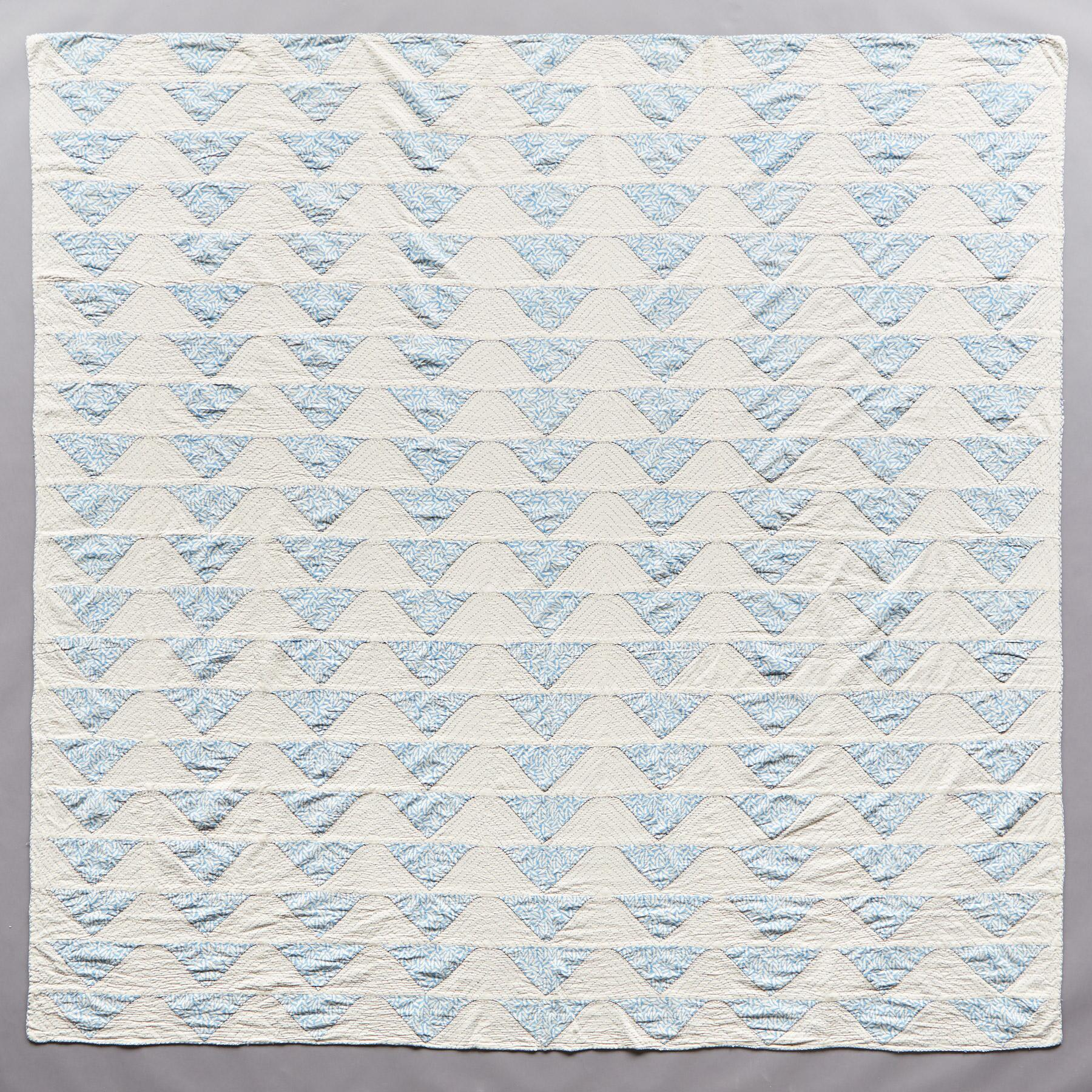 SKIES OF BLUE LTWT QUILT: View 2