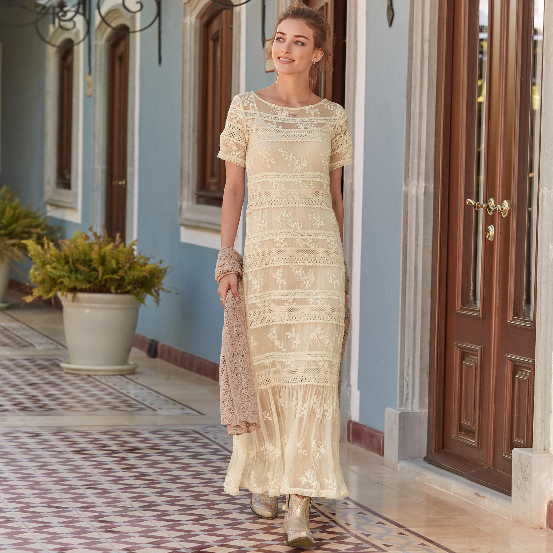 LOVE AFFAIR DRESS - PETITES: View 2