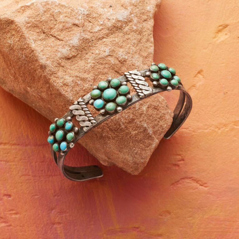 1950S TURQUOISE ROSETTE CUFF