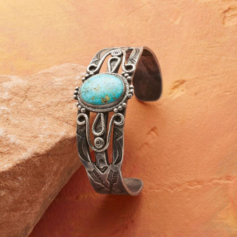 1940S NEVADA TURQUOISE CUFF