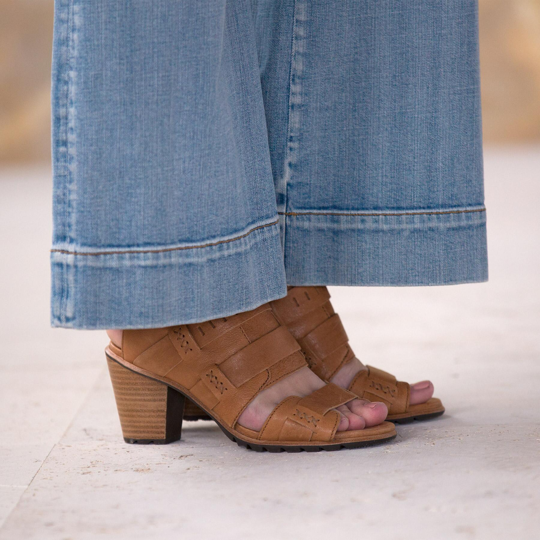 CHARLEE BLOSSOM JEANS BY DRIFTWOOD: View 6
