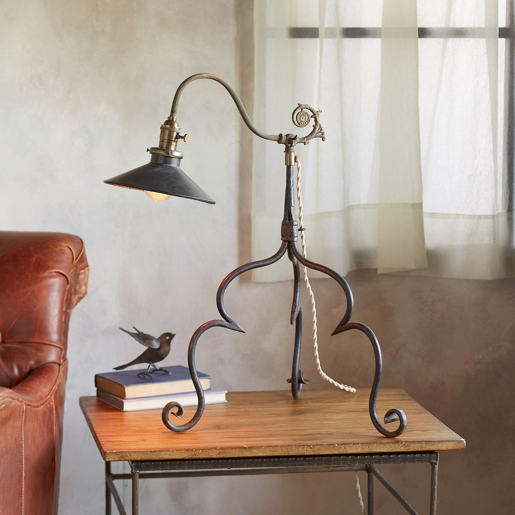 SAN MIGUEL TABLE LAMP: View 1